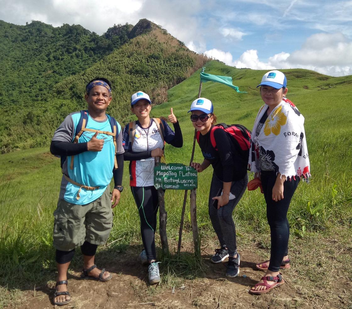 Ipsos Philippines employees taking a #StepWithRefugees at Mt. Batolusong